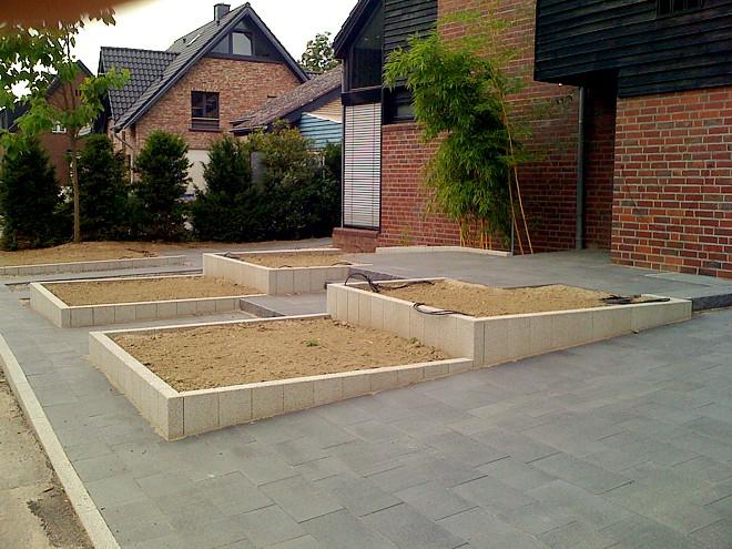 Barrierefreier vorgarten modern und pflegeleicht for Vorgarten gestalten pflegeleicht modern