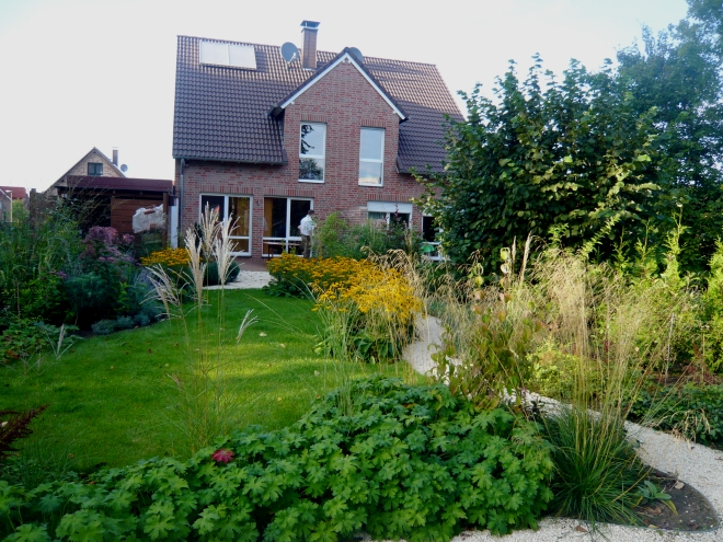 Pin 24 reihenhausgarten mit terrassendach eigenbau - Schmaler garten ...